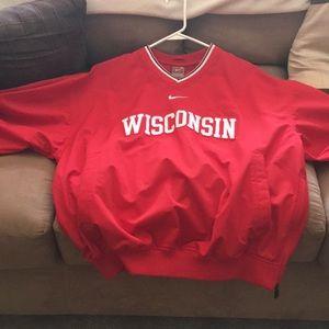 Nike Wisconsin badger windbreaker